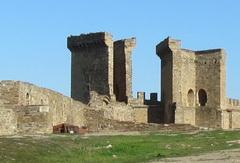 Судакская крепость— визитная карточка города, ееукрашение